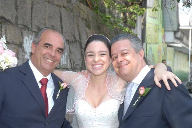 Alexandre e Ana Carolina Braile com o padastro Paulinho Vianna2 Casamento Ana Carolina e Thomaz Malan   parte 1