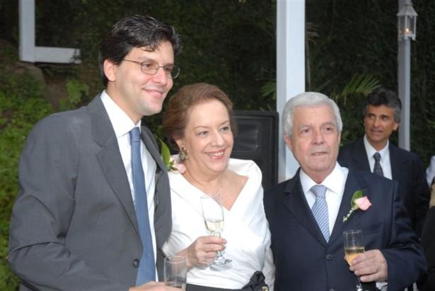 O noivo com os pais Casamento Ana Carolina e Thomaz Malan   parte 1