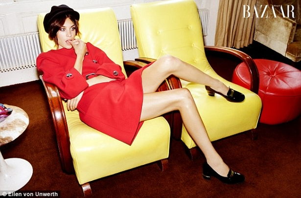 article 2034029 0DBA12E400000578 973 634x418 Alexa Chung na Harpers Bazaar UK!