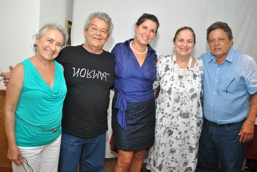 Yedda-ESCULTORES CLARA ARTHAUD ROBERTO SA JOANA TEIXEIRA HILDE ALOYSIO TEIXEIRA