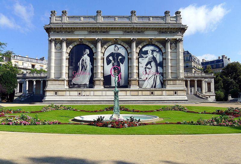 800px-P1030817_Paris_XVI_square_Brignole-Galliéra_musée_Gallièra_rwk