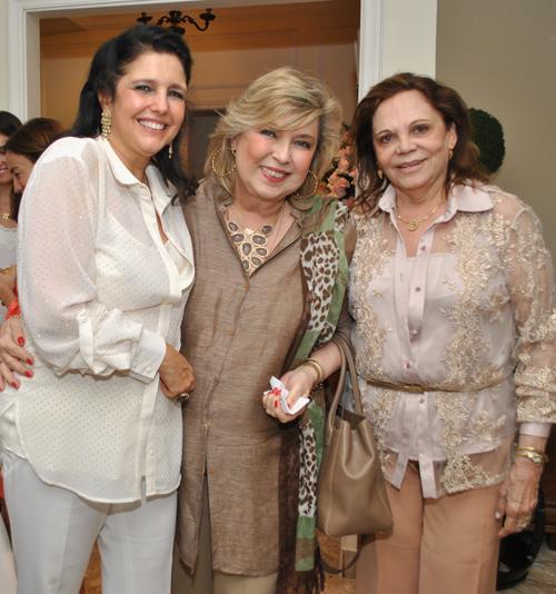 Clara-CLARA MAGALHAES MARIA JOSE MAGALHAES PINTO E ADELINA BITTENCOURT
