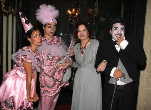 Julieta-Rosamaria Murtinho com pierrot  colombina e Carlitos