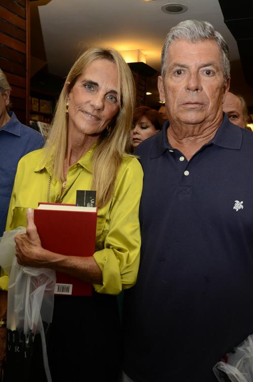 Poesia-Ana Moreira da Fosenca e Guilherme Rezende