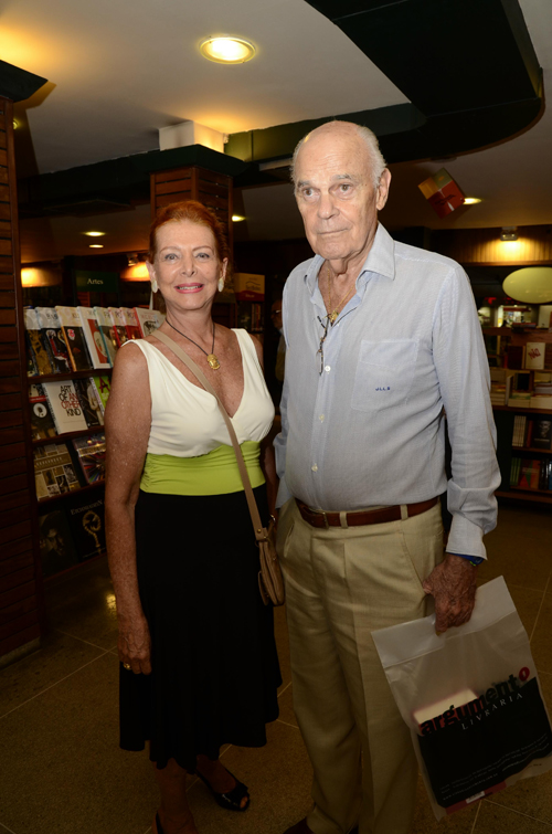 Poesia-Ilde e Jean Louis de Lacerda Soares