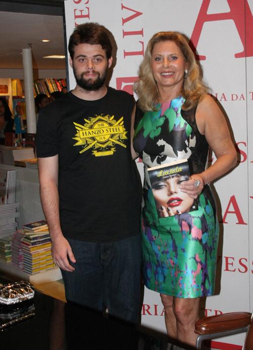 Vera-Gabriel Camargo e a mãe Vera Fischer.jpg1