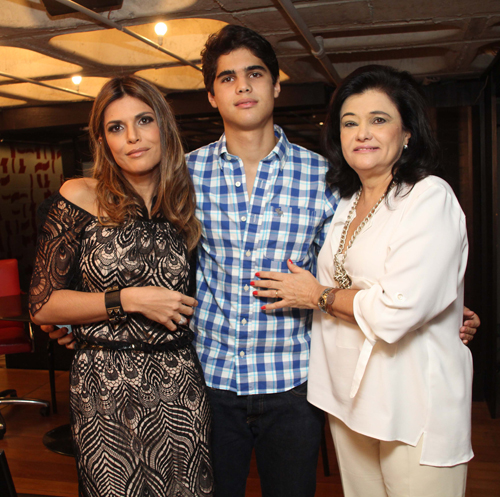 Isabella e seu filho João Flávio e sua mãe Renata Pessoa - (4)