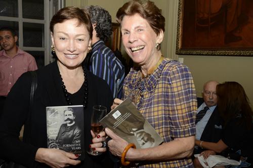 Livro-Regina Mayall Edelman e Thereza Muniz