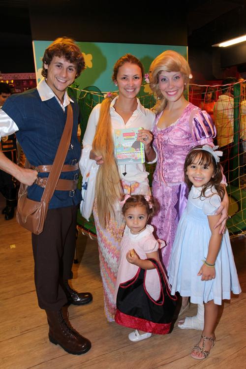 Agendinha-IMG_5732-Érika Cavalcante suas filhas Helena e Catarina e a Turma da Maria Magia