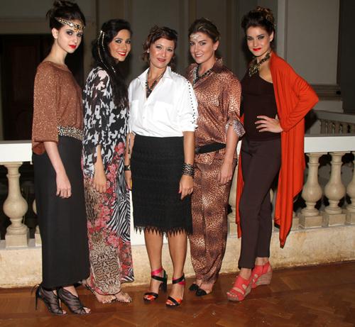 FashionT-Claudia Picero  Evellyn Cantelmo  Fernanda Gussen  Duda Rudge e Cris Vallias (Blogueira)