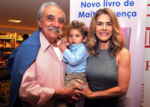 Maitê-DSC_2841  José Hugo Celidônio  seu neto José Hugo e Maitê Proença
