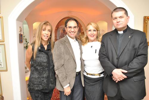 Terço-CRISTINA CAETANO  PADRE MARCO BELISARIO  ISIS PENIDO PADRE SERGIO COSTA PORTO