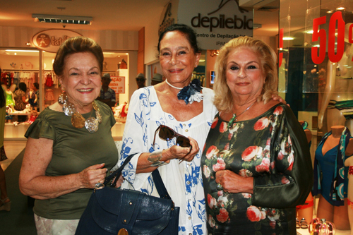 Bianca-Lucy Sa Peixoto  Myriam Gagliardi e Beth Lafite