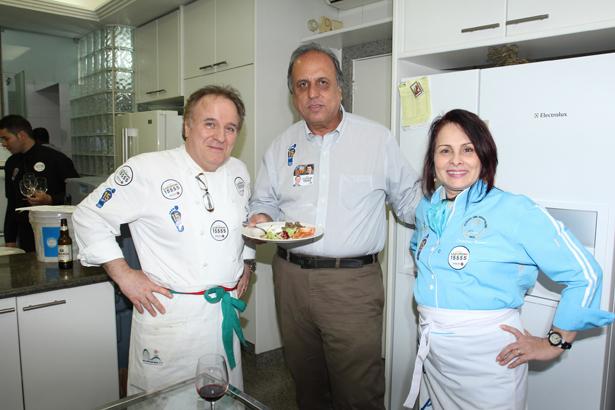 IMG_9111-Luiz Fernando Pezão(na Cozinha)entre Paolo e Conceição Neroni
