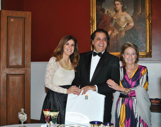A. LENISE FIGUEIREDO OMAR RESENDE PERES ELEONORA ORLEANS BRAGANCA (1)