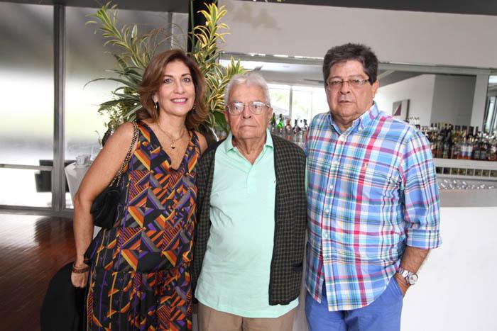 IMG_0004 SYLVIA,GILBERTO E CARLOS ALNBERTO CHATEAUBRIANDD