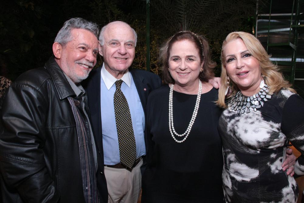 Mario,Ffrancis Bogossian, Hilde e Isis