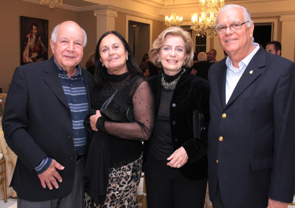 Carlos e Angela Muniz. Maria José e Ronaldo Cavalheiro