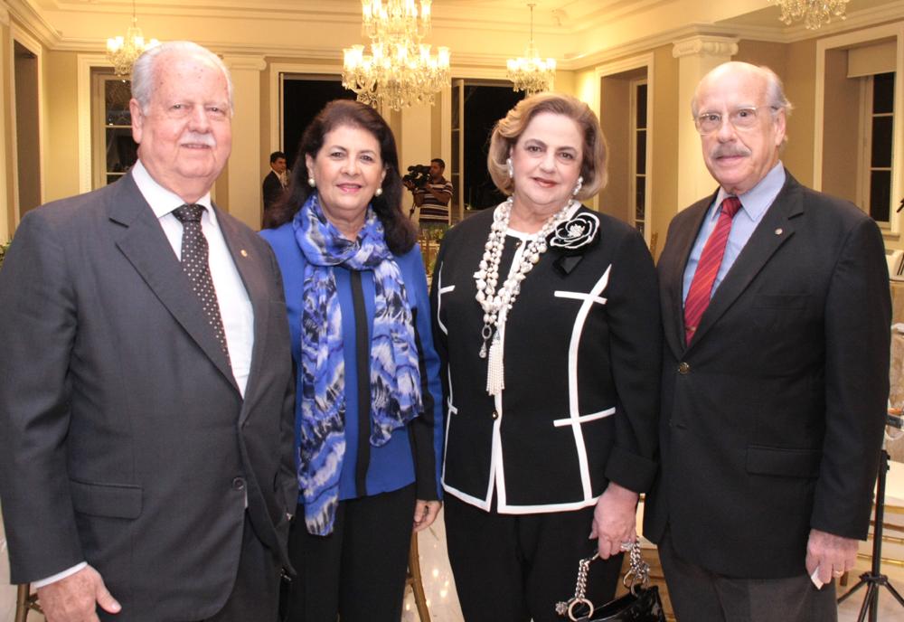 José e Carol Ribeiro , Cristina e Claudio Aboim