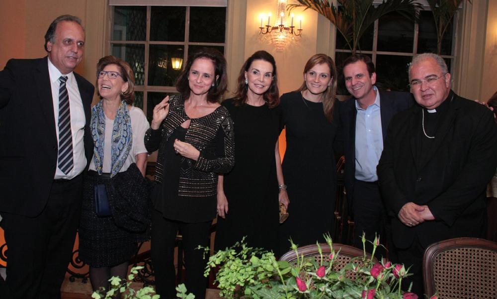 Luiz  Pezão, Maria Jardim, Patricia Quentel, Patricia Mayer,  Christine e eduardo Paes e Dom Orani tempesta