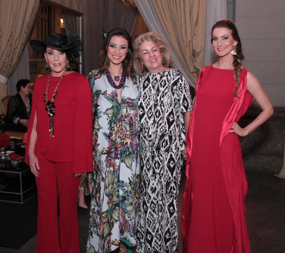 ÍssimaLilian Gurgulino,Aline Malafaia, Margaret Padilha e Deyse Krieger